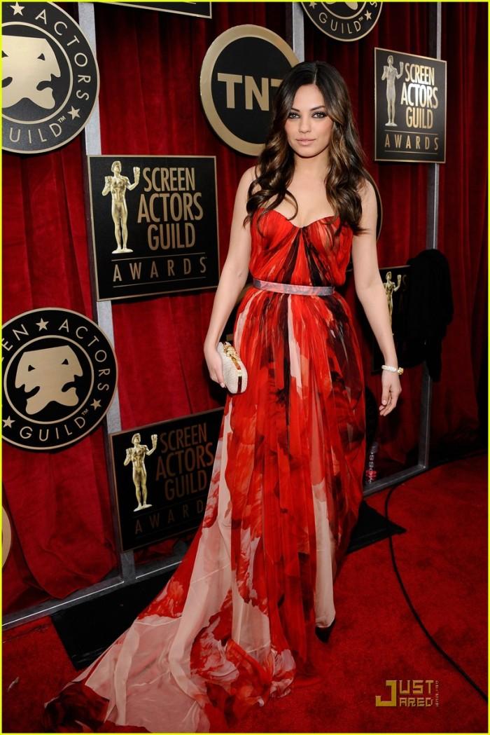 Mila Kunis SAG 2011