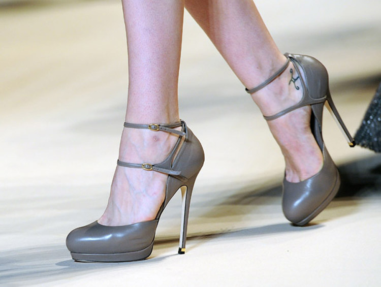 Elie Saab grey shoes fall 2011