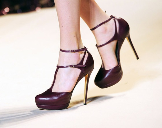 Elie Saab plum shoes fall 2011