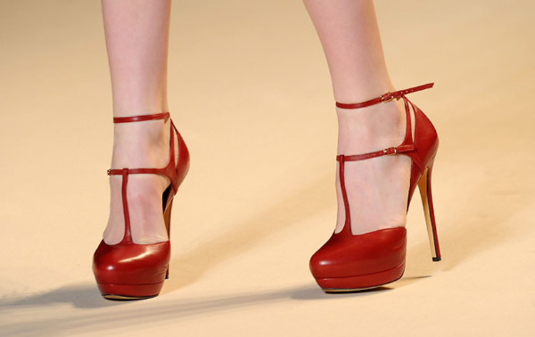 Elie Saab red shoes fall 2011