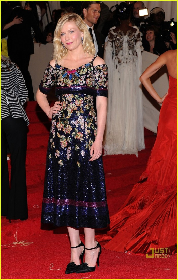 kirsten-dunst-met-ball-2011-chanel