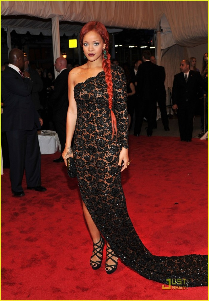 rihanna-met-ball-2011-Stella McCartney