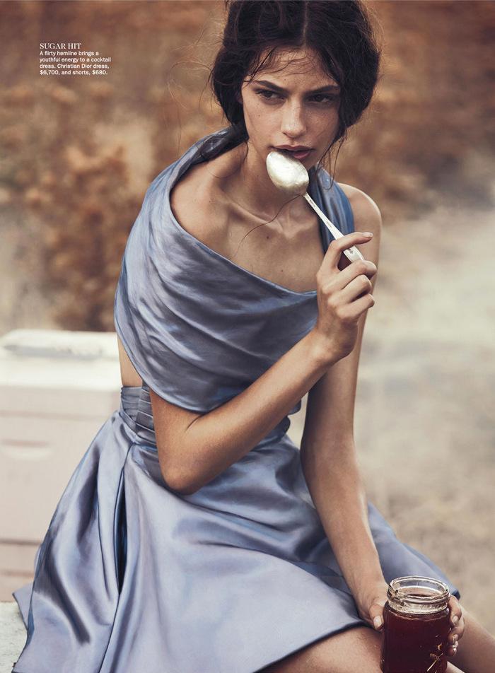Vogue-Australia-April-2013-10