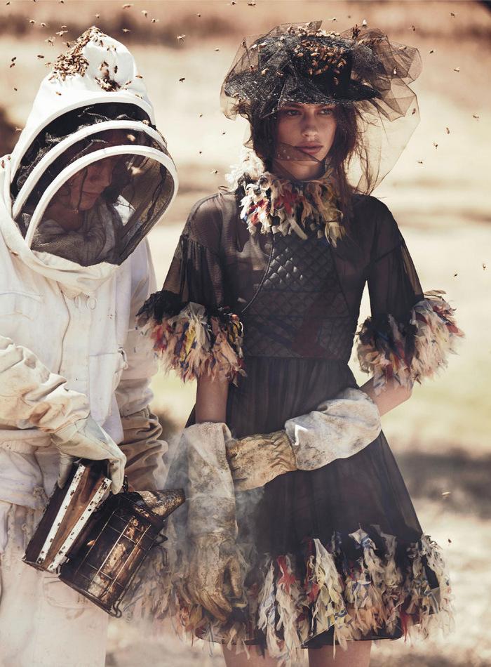 Vogue-Australia-April-2013-3